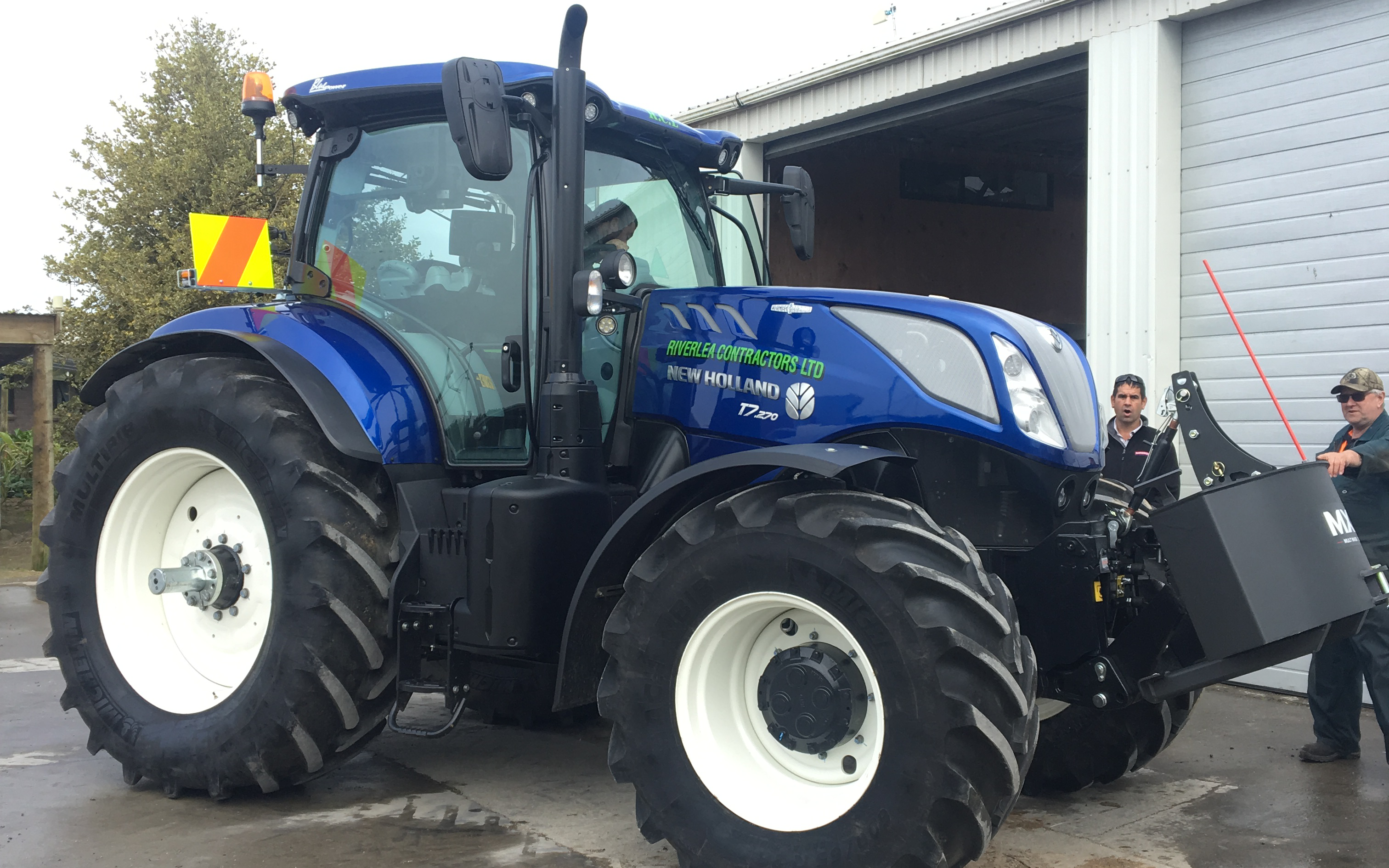 New Holland Blue Power T7.270